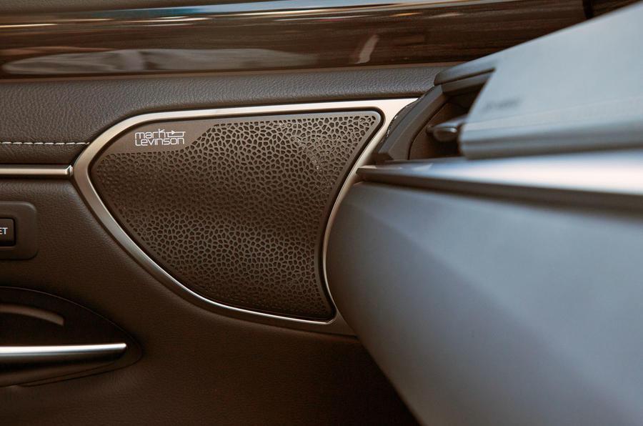 Lexus ES 2019 road test review - speakers