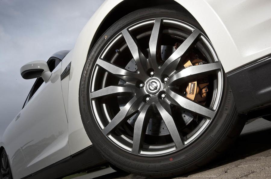 Nissan GT-R alloy wheels