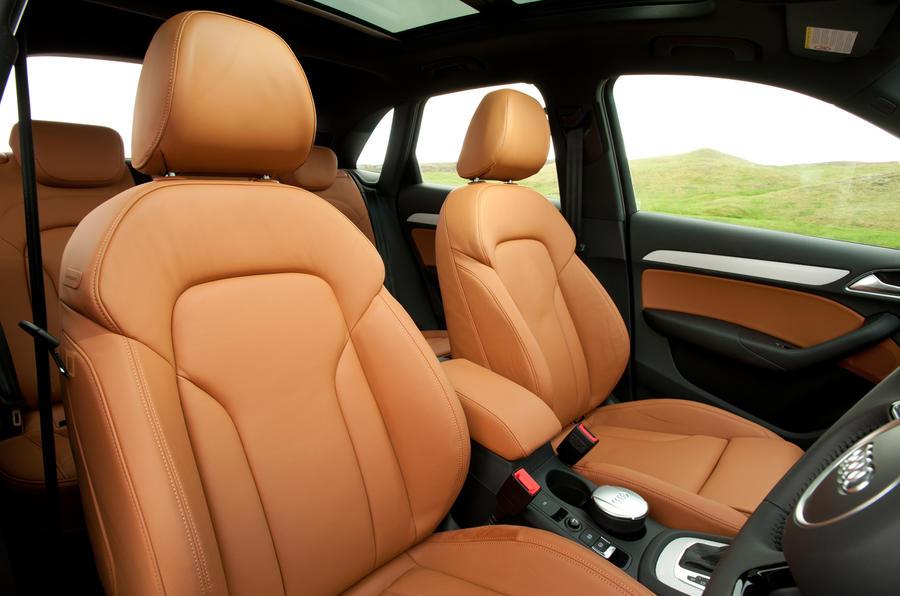 Audi Q3 front seats