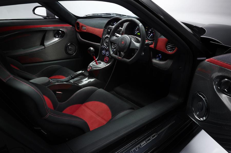 Noble M600 front seats