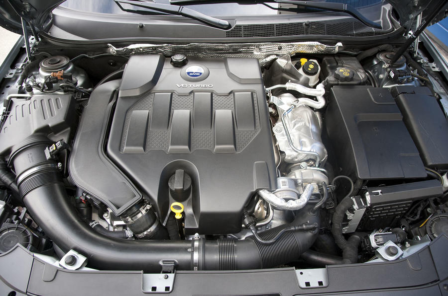 2.8-litre turbocharged Saab 9-5 engine