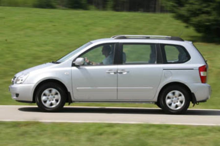Kia Sedona 2 9 Crdi Review Autocar