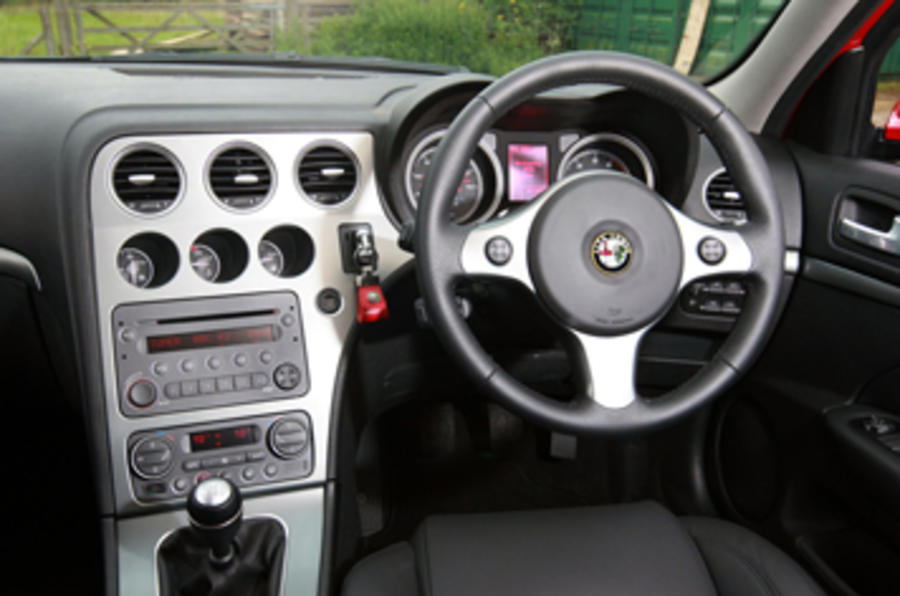 Alfa Romeo 159 steering wheel
