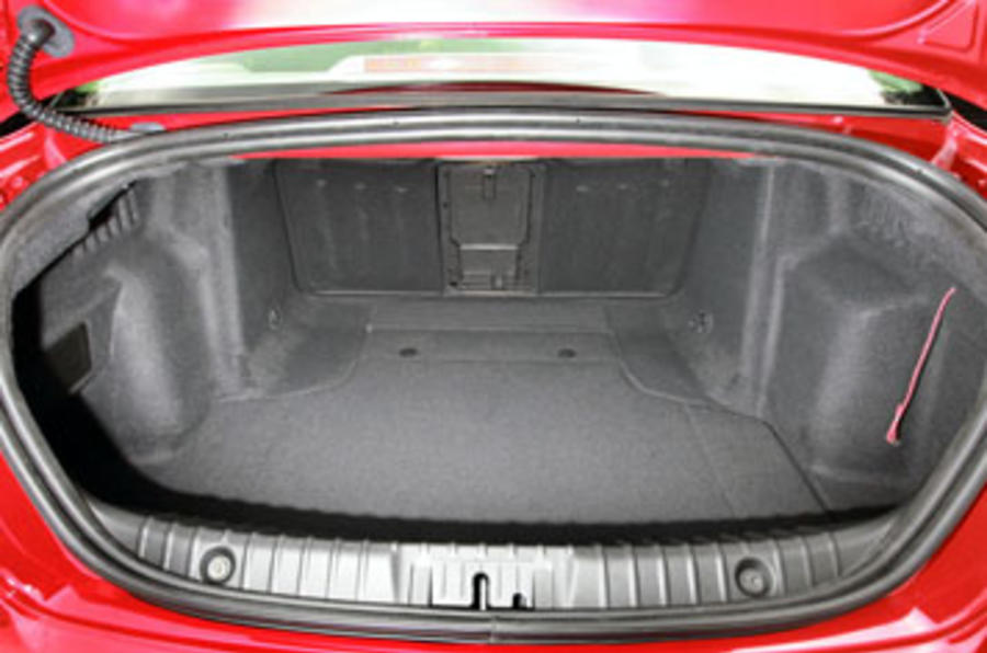 Alfa Romeo 159 boot space