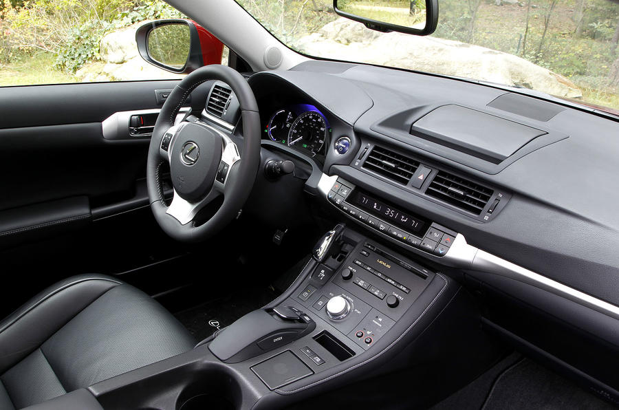 Lexus CT200h interior