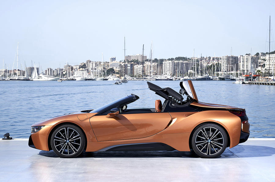 BMW i8 Roadster 2018 review static roof
