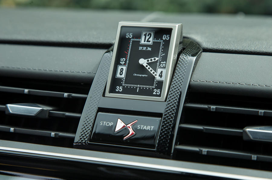 DS 7 Crossback 2018 road test review dashboard clock