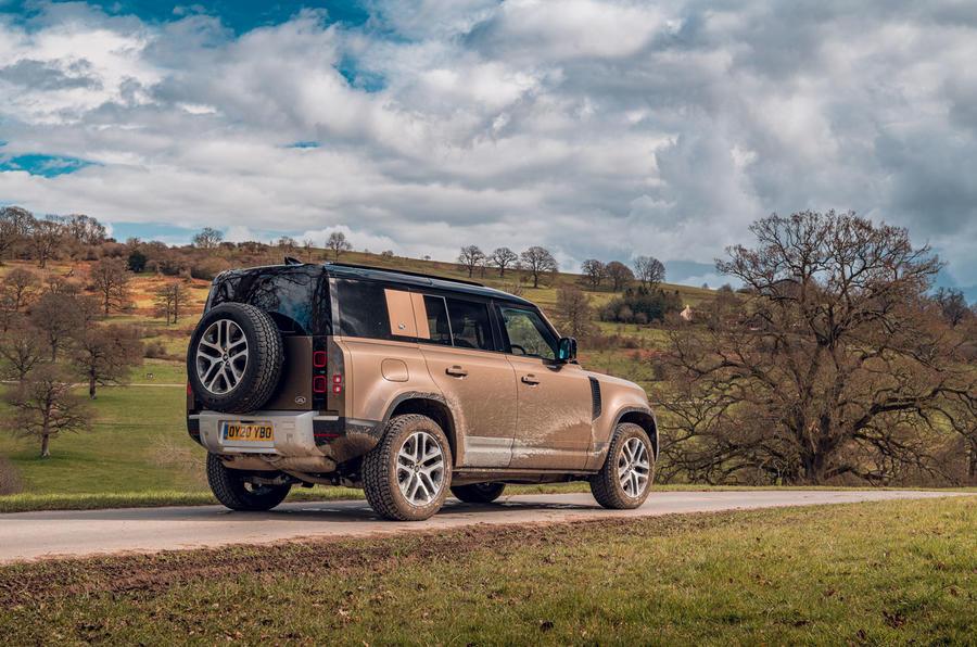 Land Rover Defender 2020 : examen de l'essai routier - arrière statique