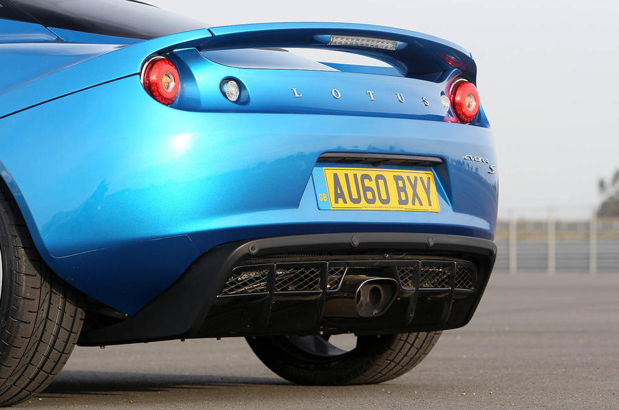 Lotus Evora S rear spoiler