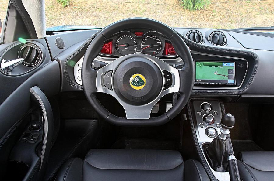 Lotus Evora S dashboard
