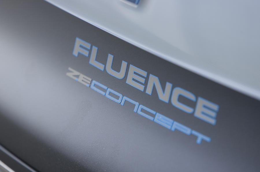 Renault Fluence Z.E. Concept badging