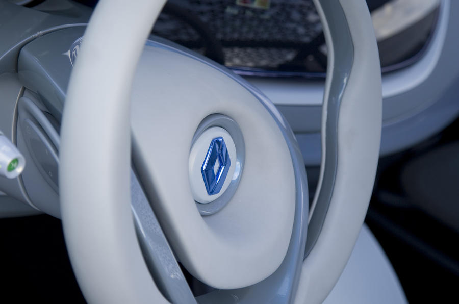Renault Fluence Z.E. Concept steering wheel