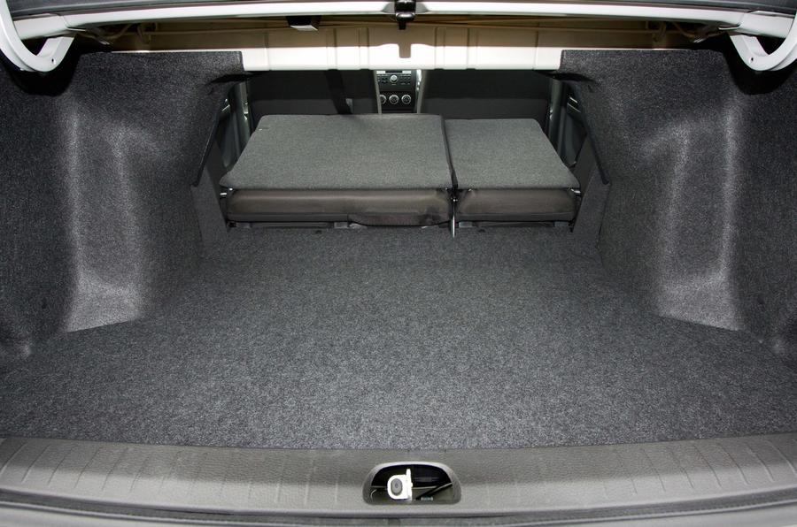 Suzuki SX4 saloon