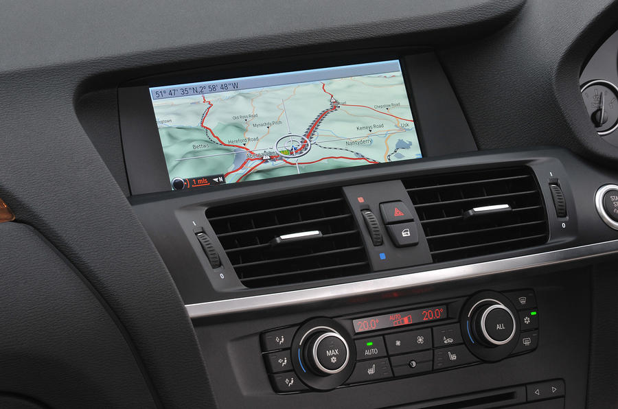 BMW X3 infotainment