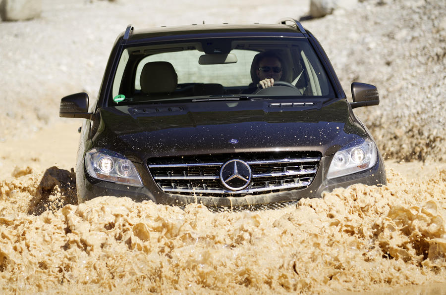 Mercedes-Benz ML 350 wading