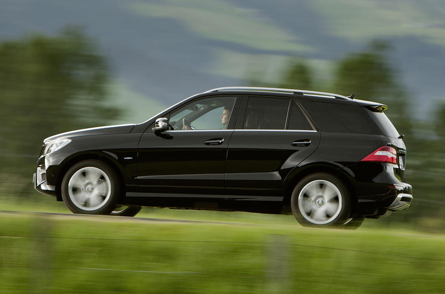 Mercedes-Benz ML 350 side profile
