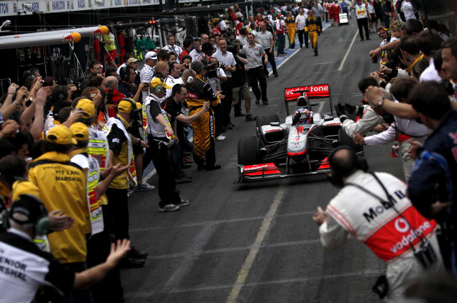 Button wins Oz GP - pics