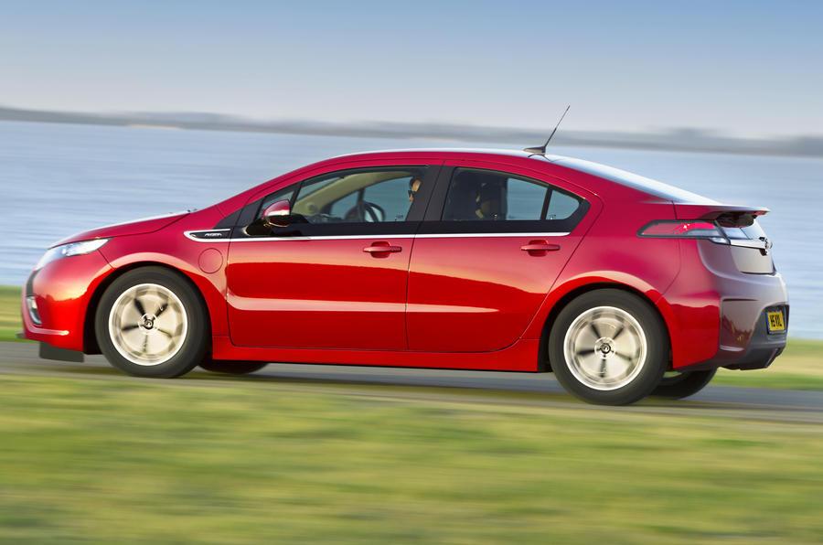 Vauxhall Ampera side profile