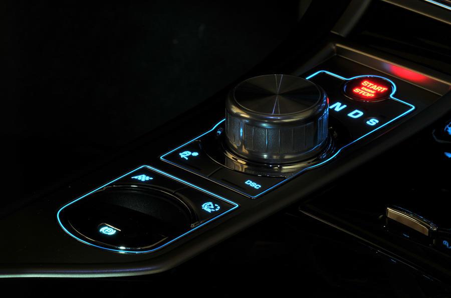 Jaguar XF 3.0D S automatic gearbox
