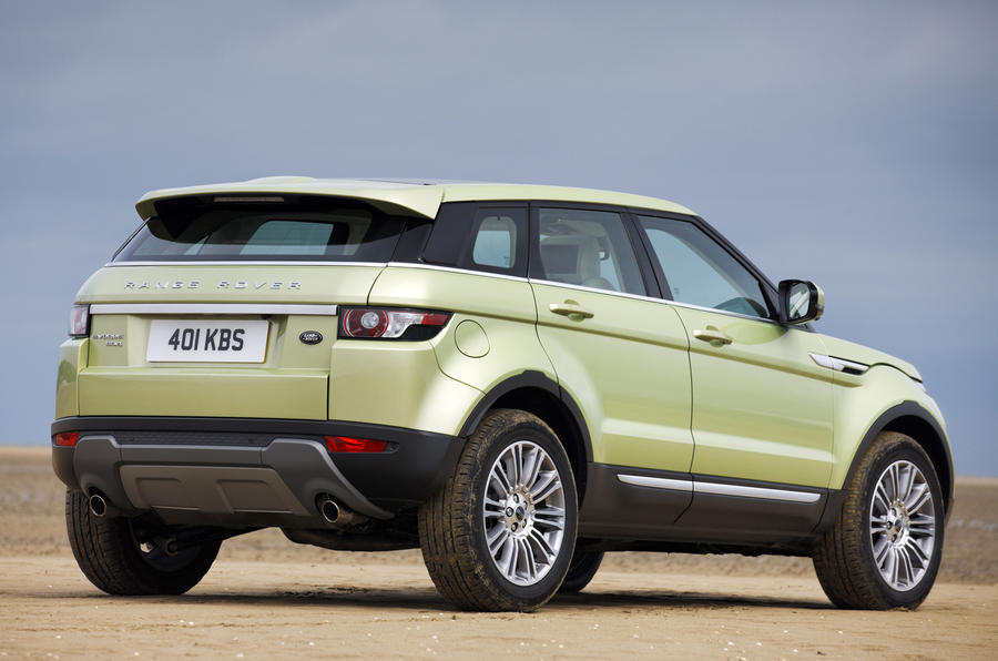 range rover evoque 2 2 prestige first drive. Black Bedroom Furniture Sets. Home Design Ideas