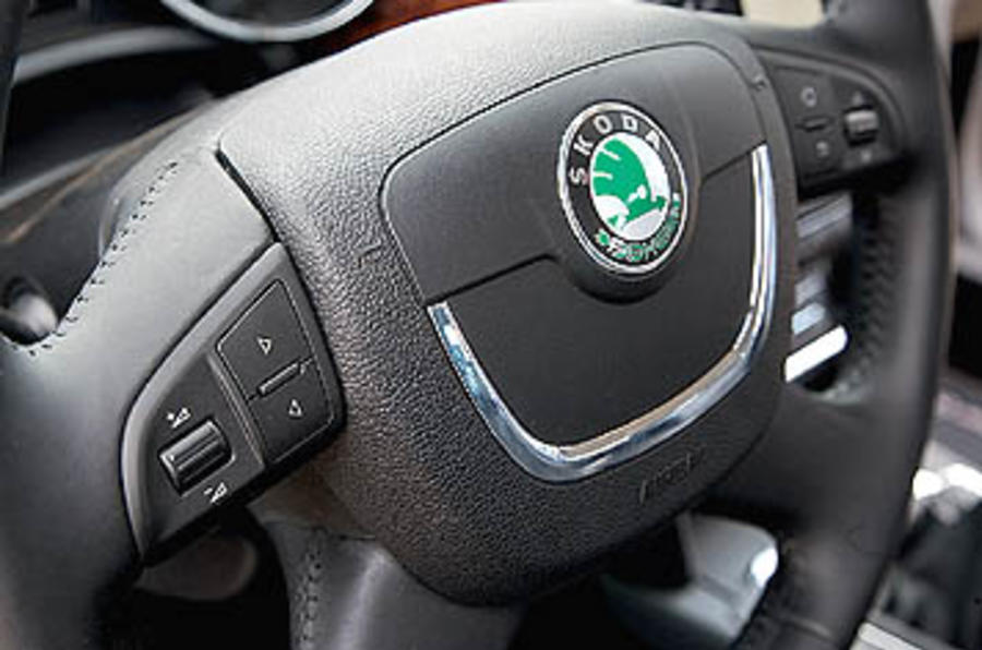 Skoda Superb 2.0 TDI 140 DSG