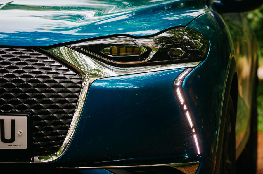 DS 3 Crossback 2019 road test review - headlights