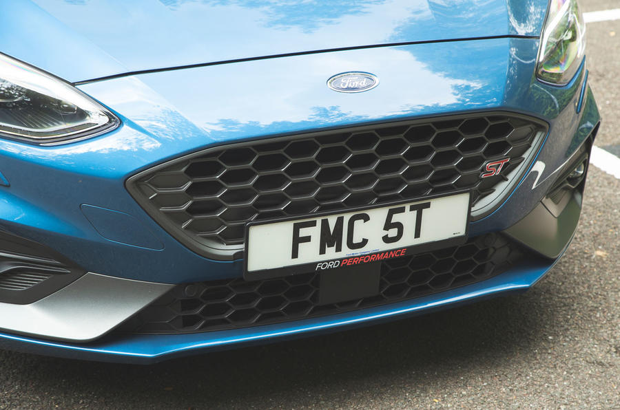 Ford Focus ST 2019 road test - front grille