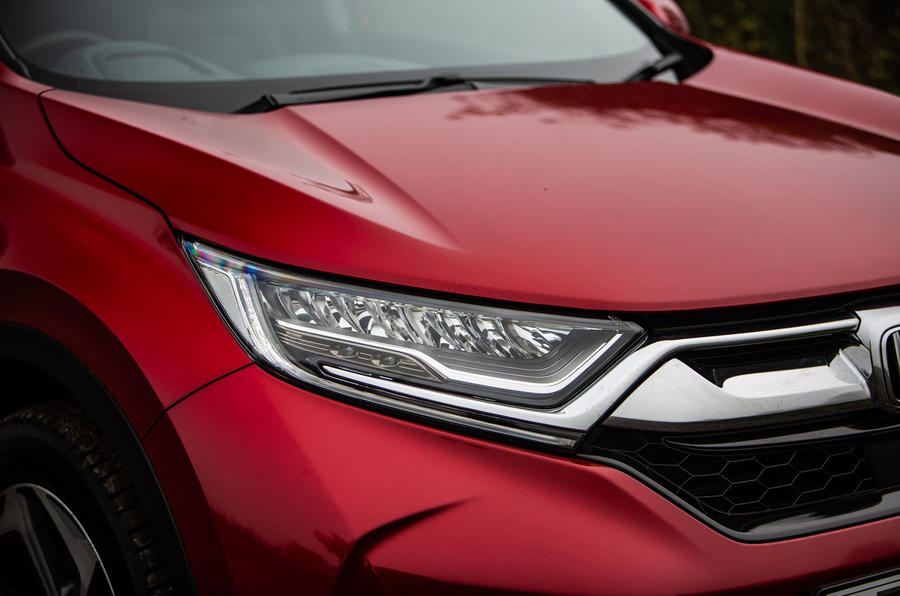 Honda CR-V 2018 road test review - headlights