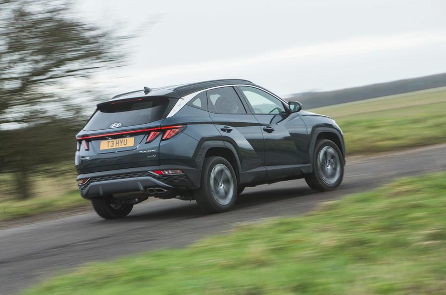 3 Hyundai Tucson 2021 : essai routier et test de l'arrière du héros