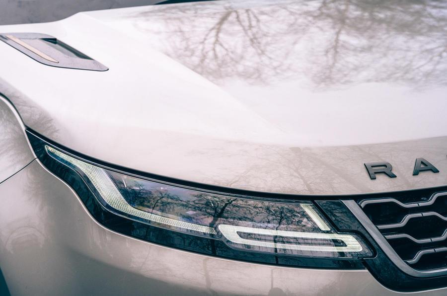 3 phares de la Land Rover Range Rover Evoque 2021 à l'examen de l'essai routier