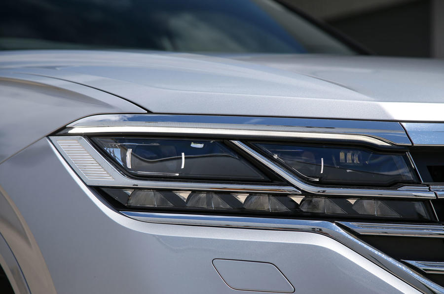 Volkswagen Touareg 2018 road test review headlights