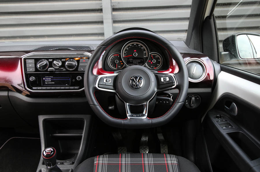 Volkswagen Up GTI 2018 review driving position