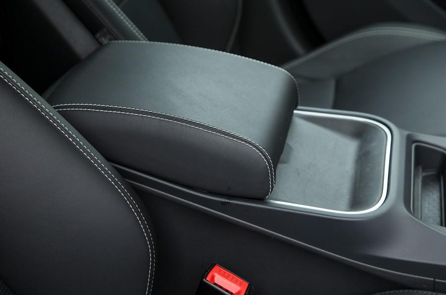 Jaguar I-Pace 2018 road test review armrest