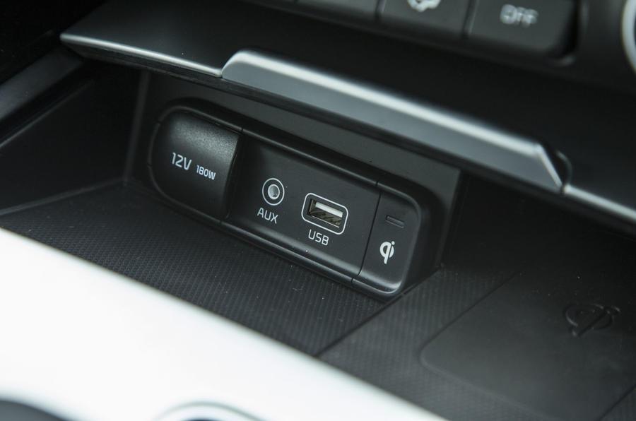 Kia Stinger GT line 2018 review front USB ports