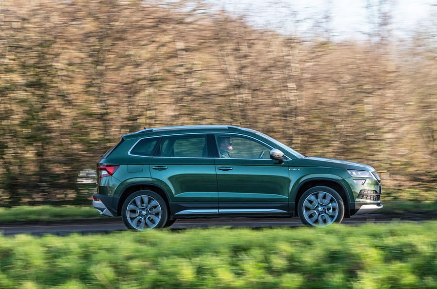 Skoda Karoq Scout 2019 road test review - on the road side