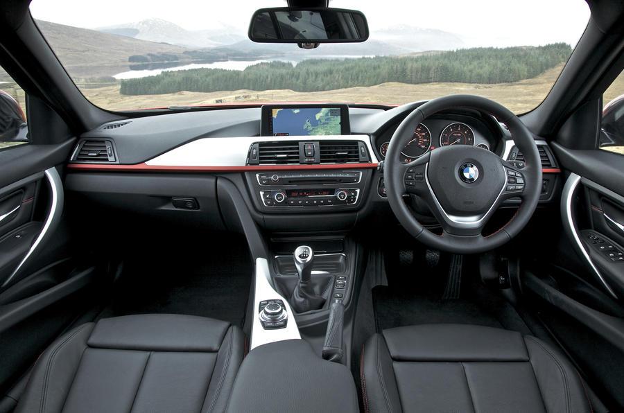 BMW 320d Sport dashboard