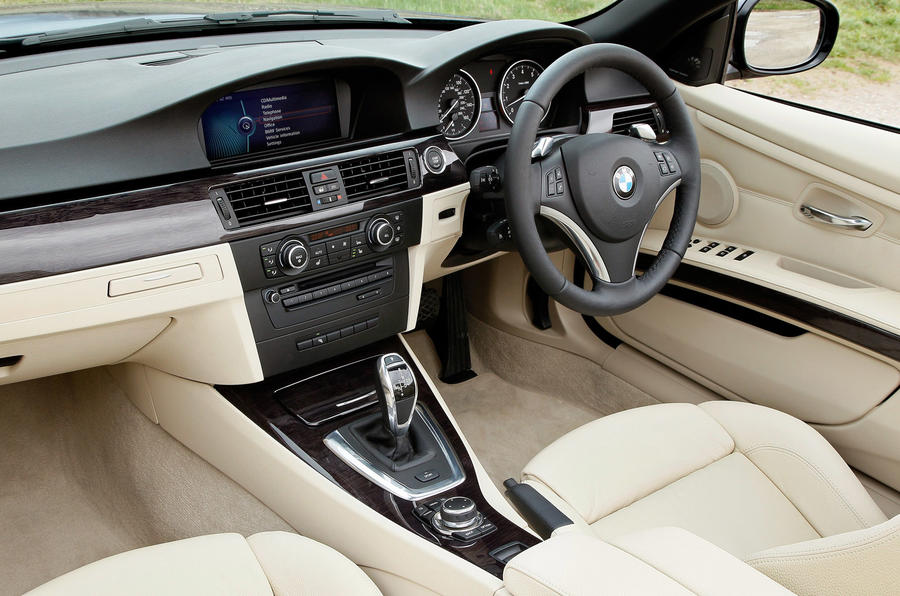 BMW 335i DCT Convertible interior