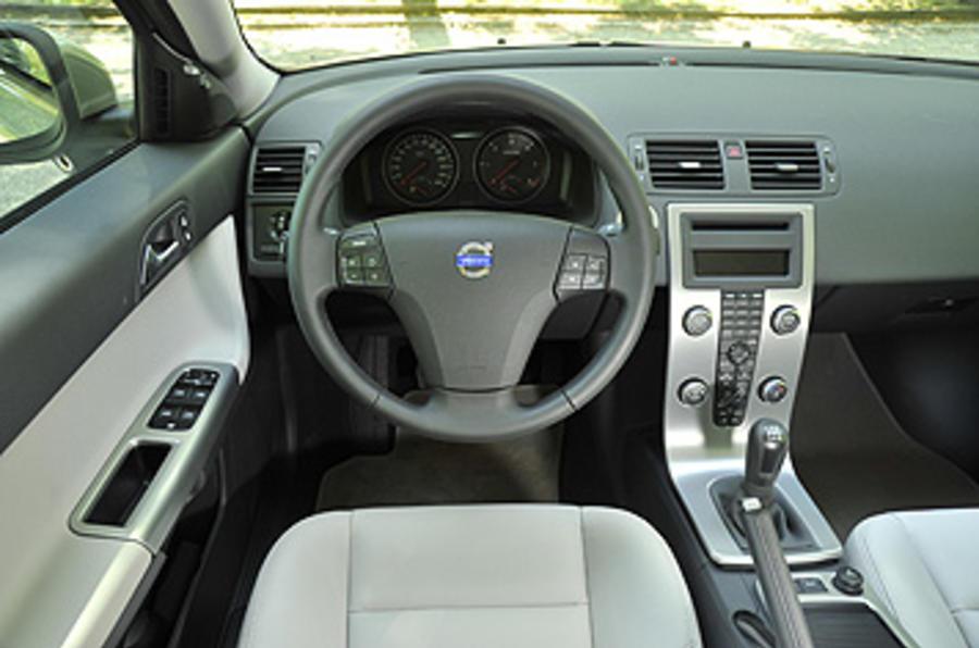 Volvo S40 dashboard