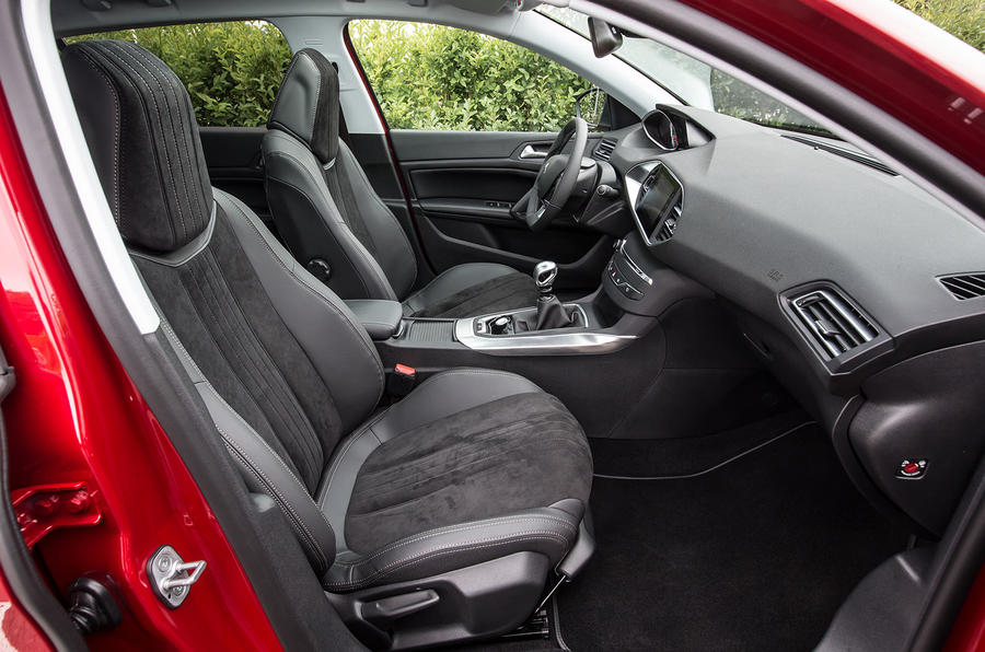 Peugeot 308 Allure interior
