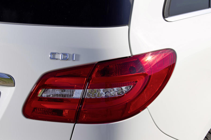 Mercedes-Benz B 200 CDI tail light