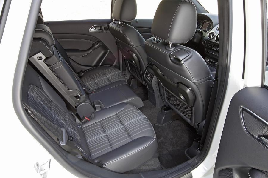 Mercedes-Benz B 200 CDI rear seats