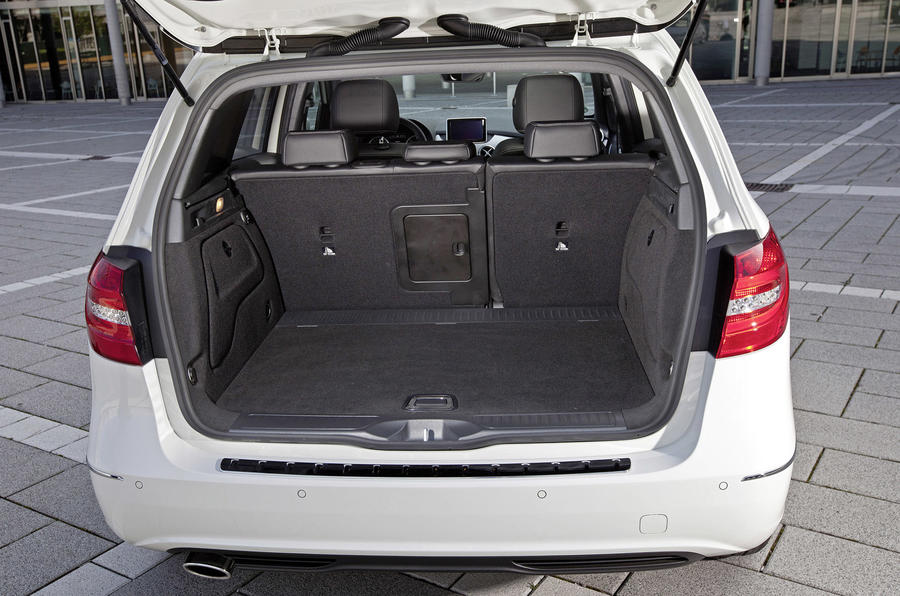 Mercedes-Benz B 200 CDI boot space
