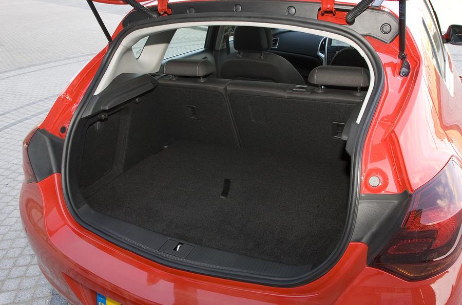 Vauxhall Astra 1 6i Sri Review Autocar