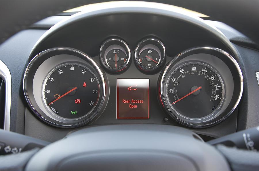 Vauxhall Astra 1 6 Se Review Autocar