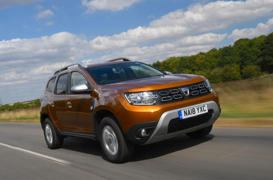 Dacia Duster 2018 road test review on the road action