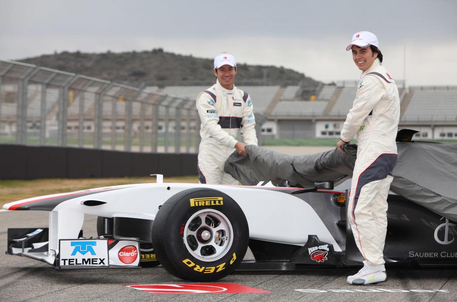 Sauber shows 2011 F1 car