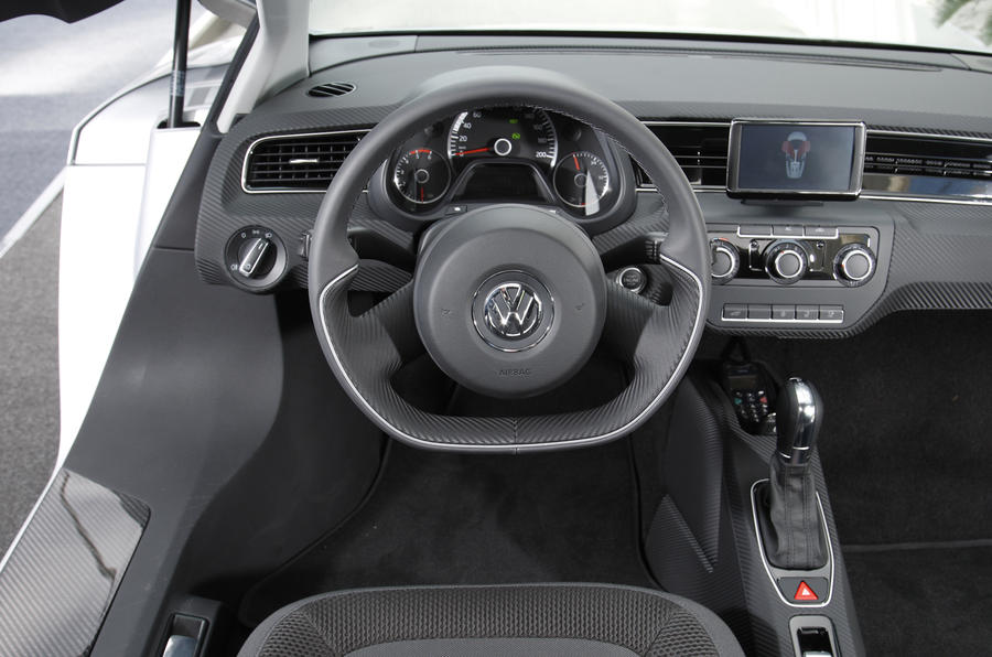 Volkswagen XL1 dashboard