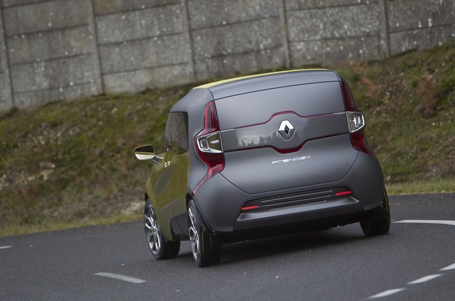Renault Frendzy rear cornering