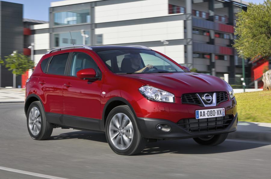 Nissan Qashqai+2 front quarter