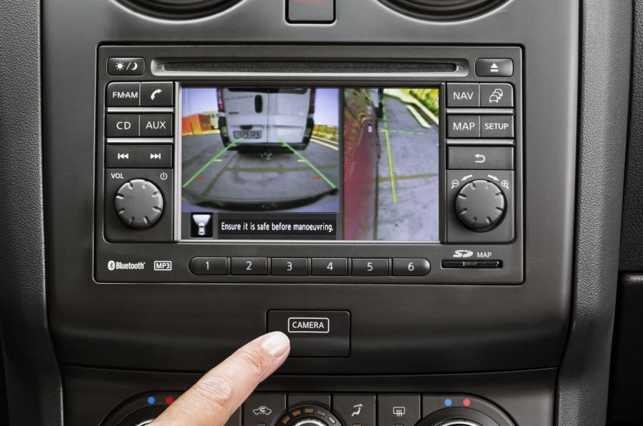 Nissan Qashqai+2 infotainment system